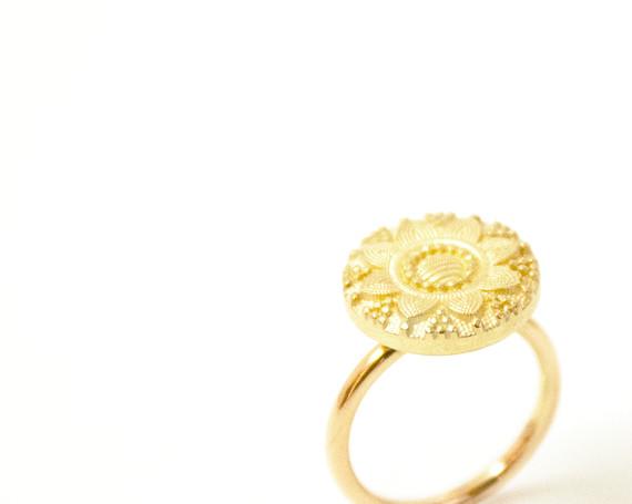 Knoopring in goud